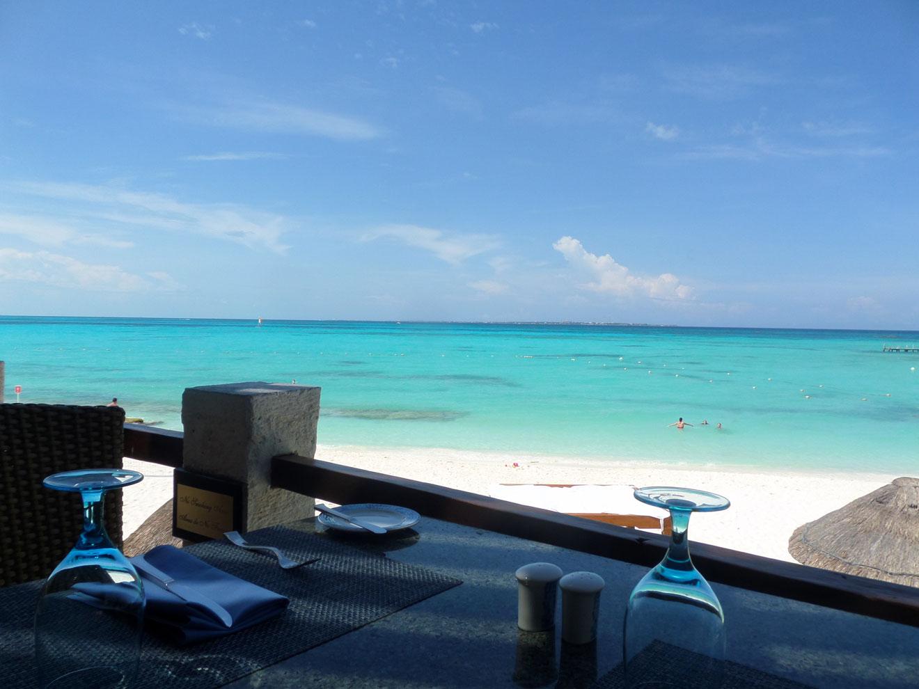 Isla Contoy Restaurant  Overlooking the stunningly beautiful Cancun beach